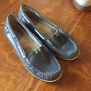 Naturalized loafer